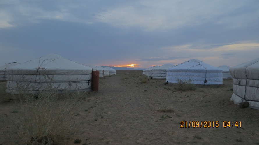 Daybreak at Gobi discovery camp 2