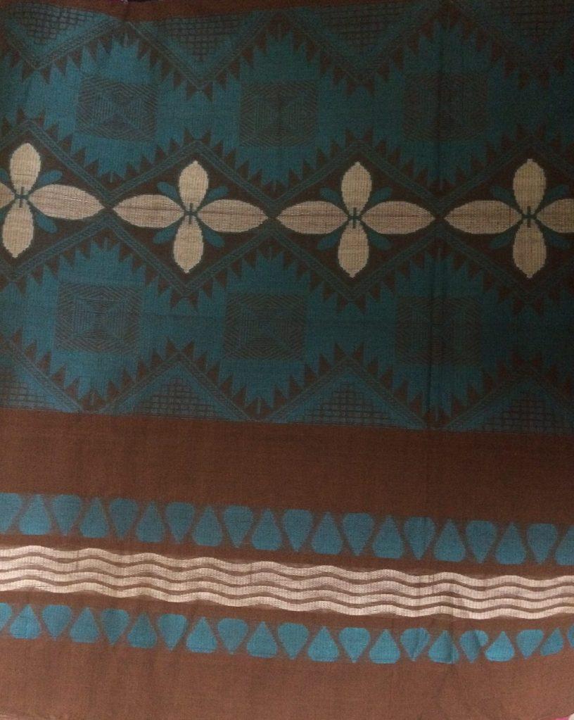 brown sari pallu