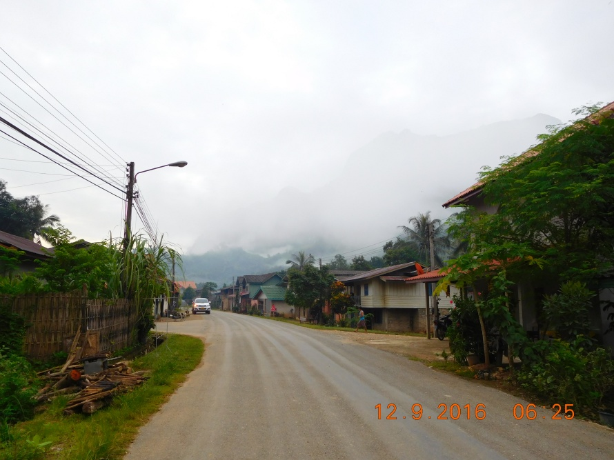 The view of the main road as we go right from Mandala Ou